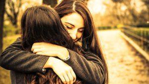 Knuffelen zorgt voor oxytocine en meer geluk